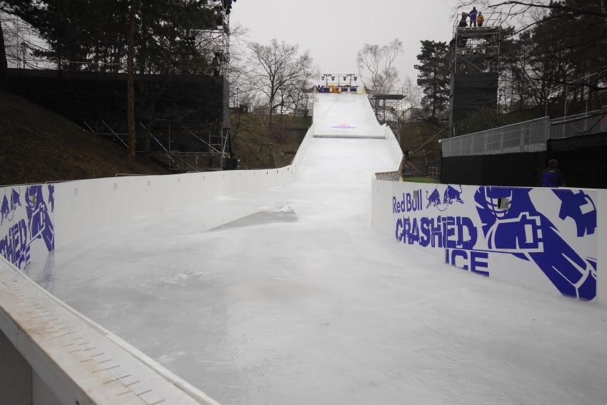 Red Bull Crashed Ice - Vyšehrad 2009: první zatáčka