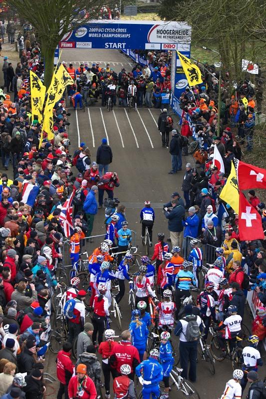 Mistrovství světa Cyklokros, Hoogerheide/NIZ - 1.2. 2009 - předstartovní mumraj