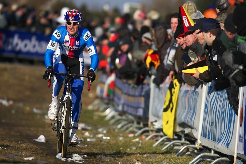 Mistrovství světa Cyklokros, Hoogerheide/NIZ - 1.2. 2009 - Zdeněk Štybar se Nielse Alberta snažil dostihnout, bohužel bez úspěšně
