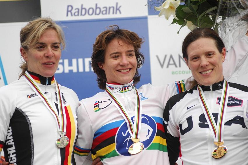 MS Cyklokros Hoogerheide /NED/ 2009: 1. Vos, 2. Kupfernagel, 3. Compton