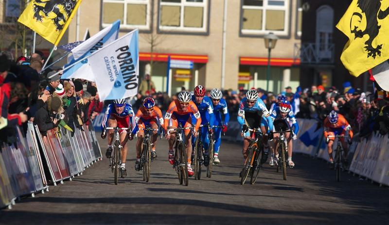Mistrovství světa Cyklokros, Hoogerheide/NIZ - 31.1. 2009 - sprint juniorů o druhé místo a třetí místo, Nesvadba druhý zprava