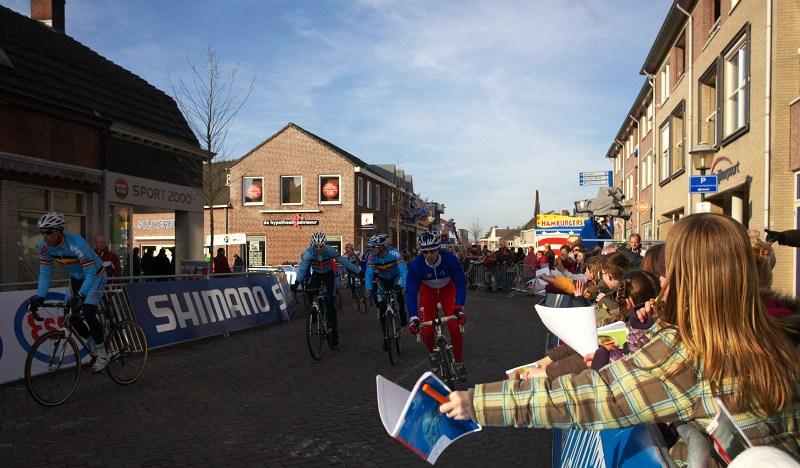 Mistrovství světa Cyklokros, Hoogerheide/NIZ - 30.1. 2009 - páteční trénink přilákal spousty diváků, dokonce i děti měly kvůli šampionátu volno