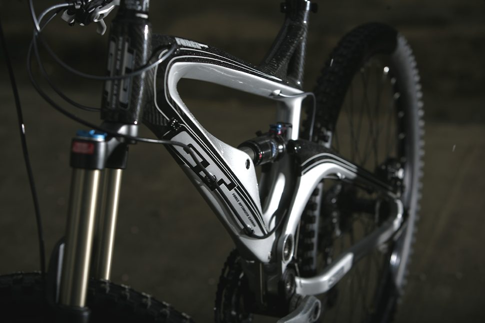 GT Force Carbon Expert 2009