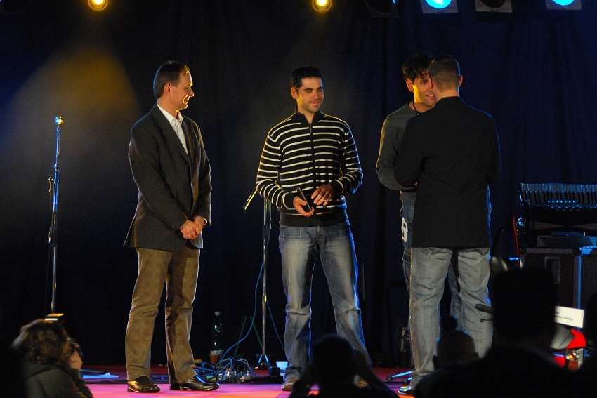 Fin�lov� ve�er KP� '08: p�ed�n� ceny Fair Play pro Jana Chrob�ka a Martina P�lp�na za z�chranu �ivota na trat�ch KP�