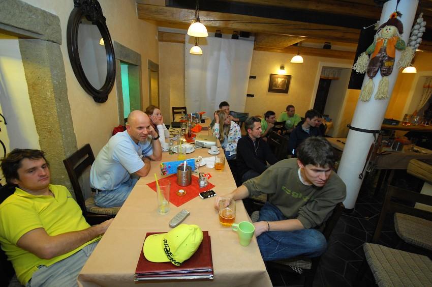 Cyklotrenink.com Kemp 2008 - večerní beseda