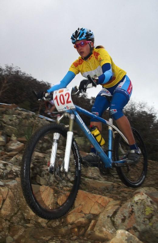 Sunshine Cup #2 - Afxentia Stage Race 2009, Kypr - Tereza Huříková v dresu lídra Afxentia Cupu