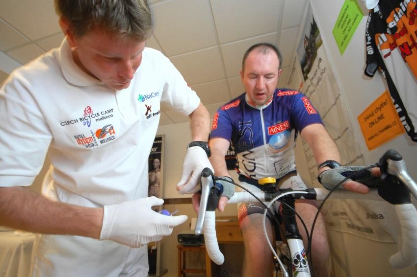 Najíždění kilometrů na Mallorce obrazem: laktátový test u Vojty Berana