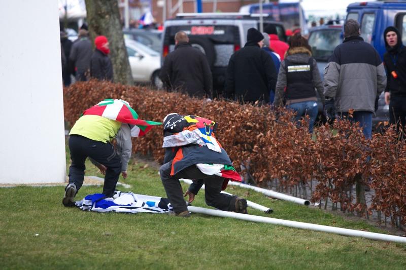 Fanoušci na MS v cyklokrosu, Hoogerheide, /NIZ/ 31.1. - 1.2. 2009 - po závodech se kradlo co se dalo