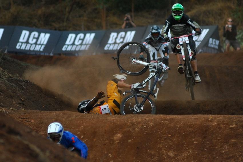 SP 4X #1 2009 - Pietermaritzburg /RSA/: pád Fischbacha v malém finále