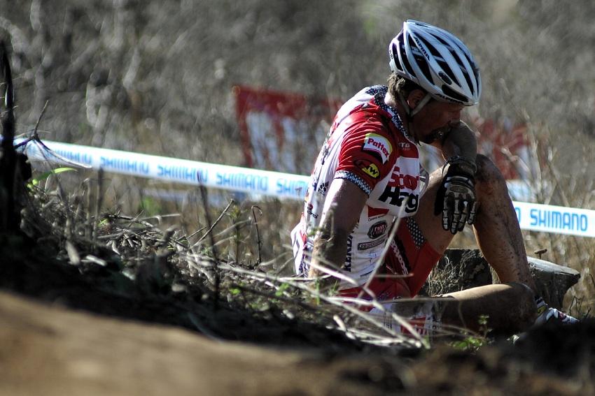 SP XC #1 2009 - Pietermaritzburg /RSA/: Matouš Ulman po pádu