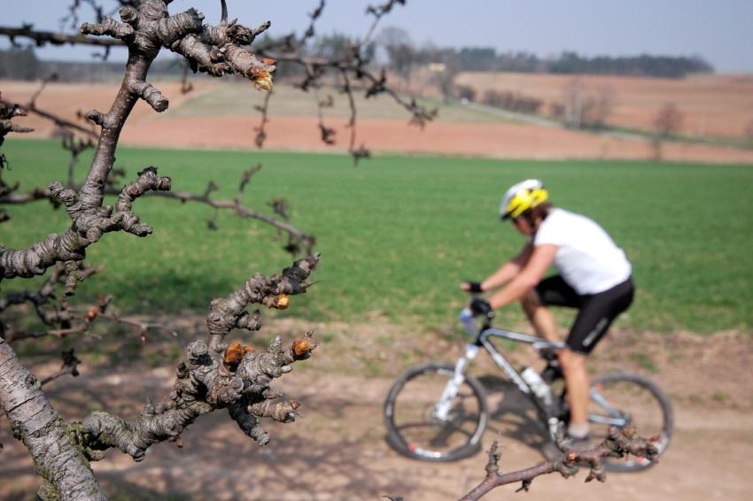 MTB Přes dva kopce 2009: jaro přichází