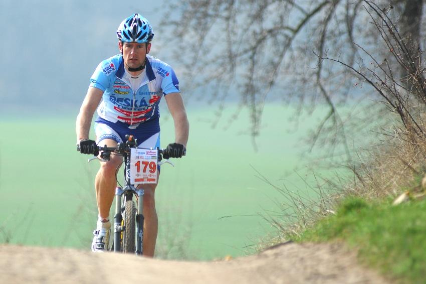 MTB Přes dva kopce 2009: Tomáš Trunschka ze začátku nikam nespěchal