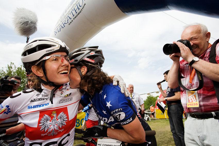 Maja Wloszczowska MTB Race - Jelenia Góra 9.5. 2009 - plno emocí po dojezdu...