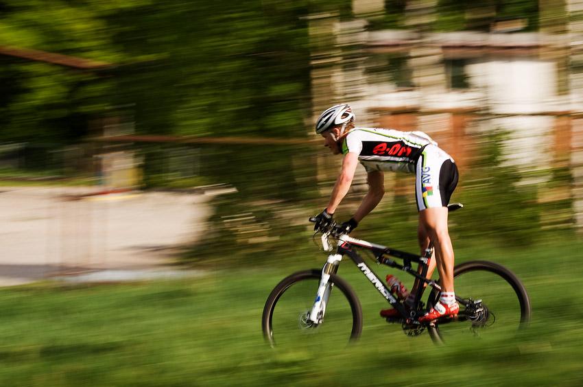 Maja Wloszczowska MTB Race - Jelenia Góra 9.5. 2009 - Jiří Friedl míří k cíli