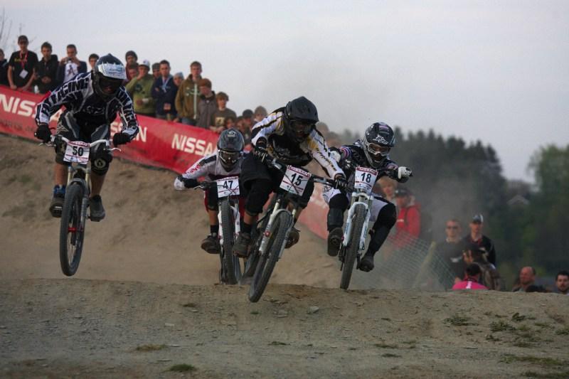 Nissan UCI MTB World Cup 4X #2 - Houfalize /BEL/ 1.-2. 5. 2009 - vlevo Jan Nov�k, uprost�ed Matej Vitko