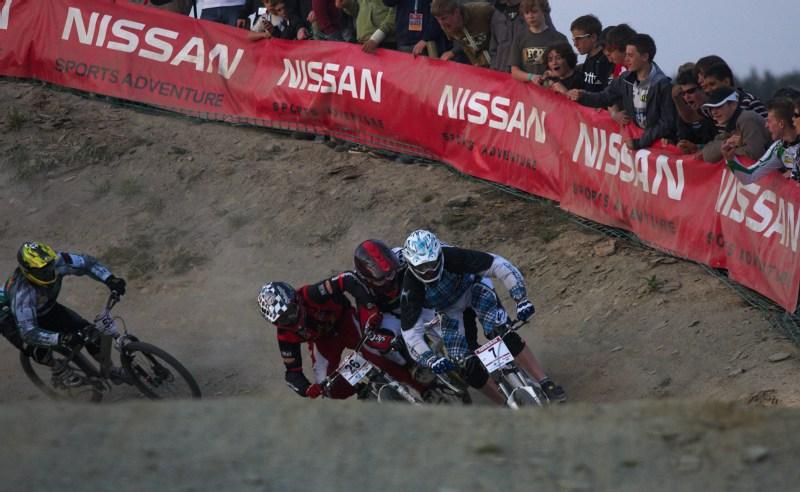 Nissan UCI MTB World Cup 4X #2 - Houfalize /BEL/ 1.-2. 5. 2009 - tomu říkám loket na loket!