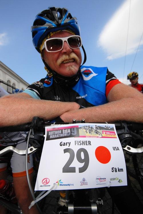 Author �ela Marathon 2009: Gary Fisher na startu kr�tk� trati