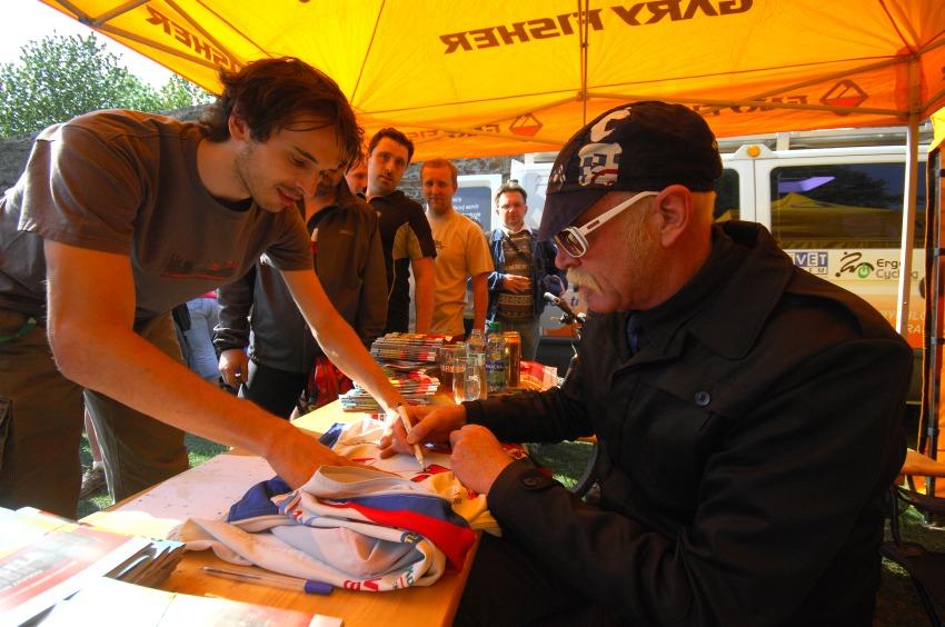 Author Šela Marathon 2009: autogramiáda Gary Fishera