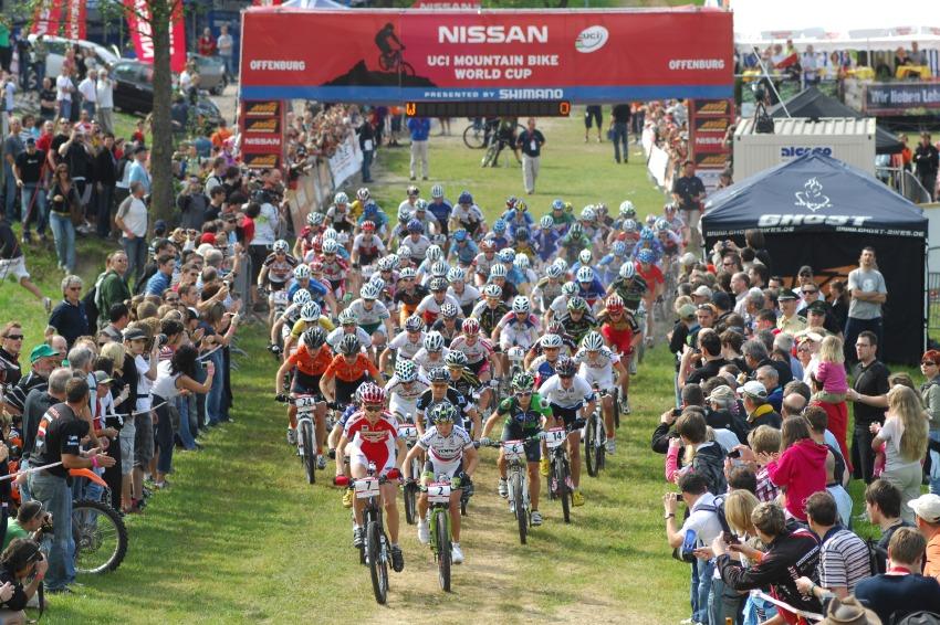 Nissan UCI World Cup #2 Offenburg /GER/ 26.4.2009 - start žen