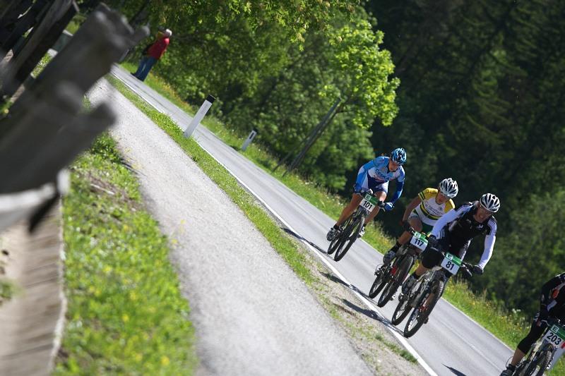 Alpentour Trophy, Schladming /AUT/ - 1. etapa, 29.5. 2009 - Tereza Huříková lepí...