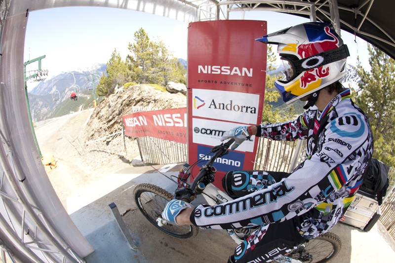 Nissan UCI World Cup 4X & DH Andora - Vallnord 2009: Gee Atherton /foto: Gary Perkin/