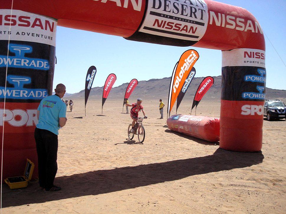 Nissan Desert Race 2009 Honza v cíli