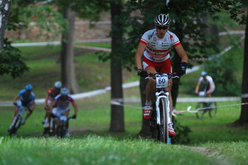 ČP MTB XC #4 2009 - Teplice: Christoph Soukup na čele od prvního kola, ale Milan Spěšný už se za ním řítí...