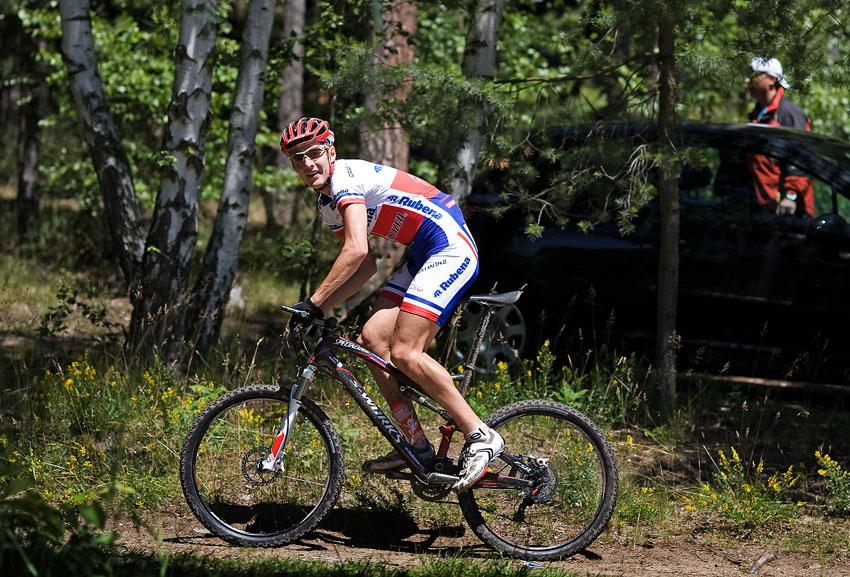 KP� Orl�k 2009 - Jarda Kulhav� - s �sm�vem a 30 sec. n�skokem na �pici...
