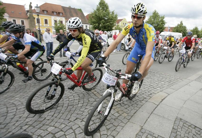 Giant Berounsk� BikeMaraton 2009: start kr�tk� trasy