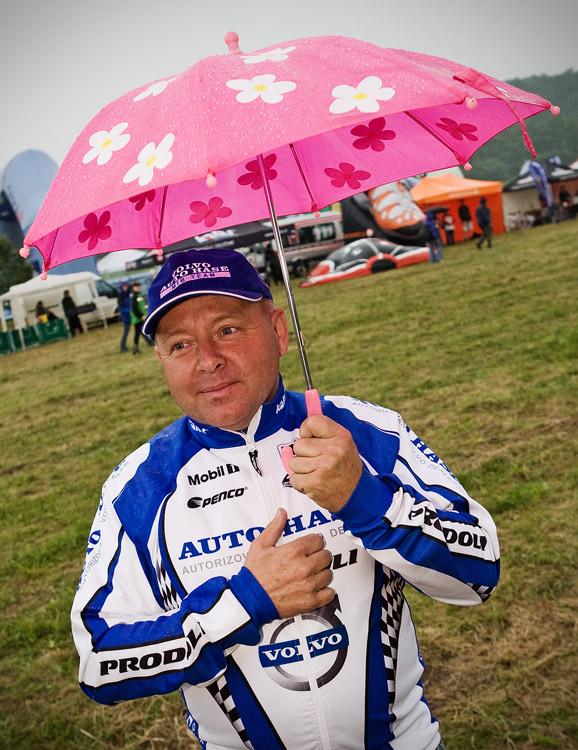 KPŽ 2009 Jistebnický kancionál  - Jiří Ženíšek si i přes déšť nenechal ujít vyhlášení vítězů