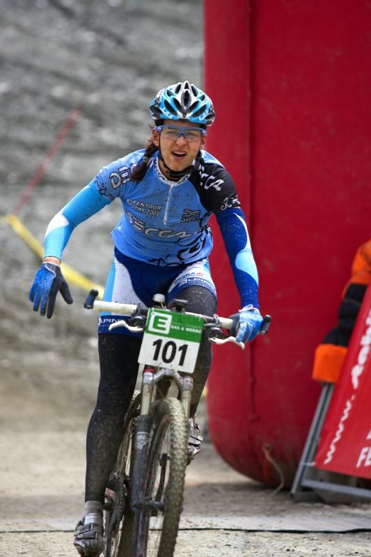 Alpentour Trophy, Schladming /AUT/ - 4. etapa 1.6. 2009 - do cíle dorazila totálně promrzlá s bolestmi ruky