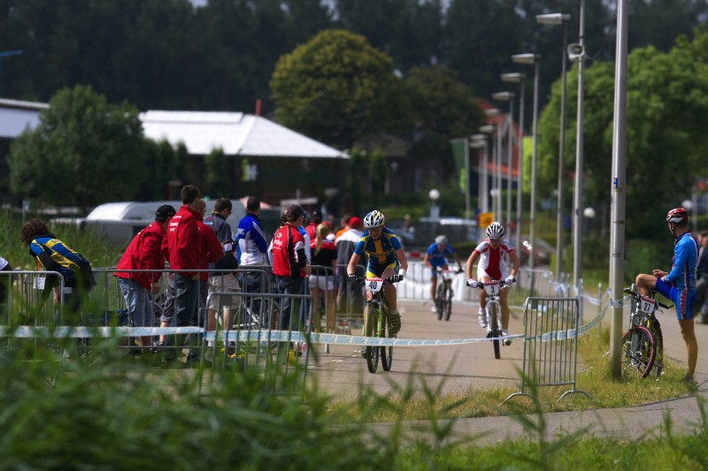 Mistrovství Evropy MTB XC 2009 - Zoetermeer /NED/ - U23: brzy po startu šla Alexandra Engen do vedení