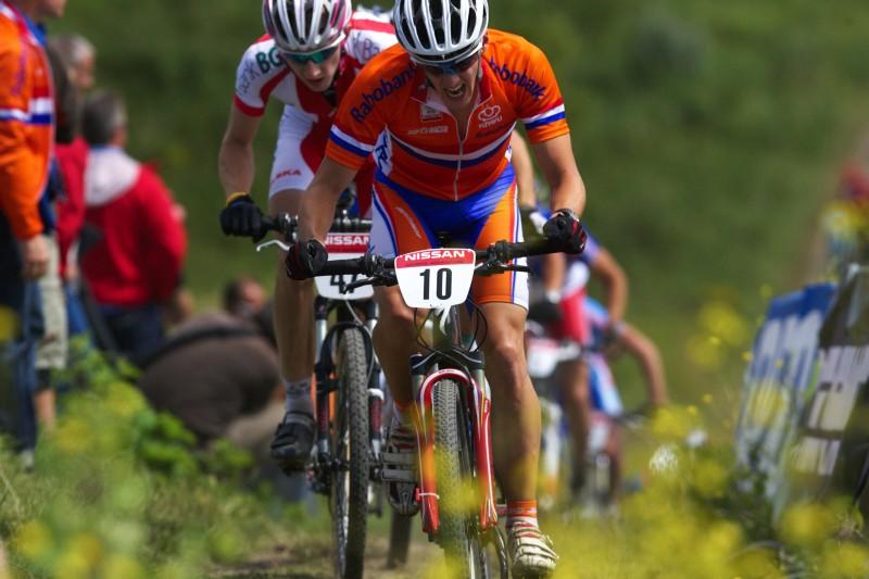 Mistrovství Evropy MTB XC 2009 - Zoetermeer /NED/ - U23: Domácí Irjan Luttenberg patřil mezi ty Holanďany, kteří to měli v Zoetermeeru najeté...
