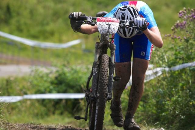 Mistrovství Evropy MTB XC 2009 - Zoetermeer /NED/ - juniorky & junioři: že to byl těžký závod, dokazuje Dagmar Labáková, měla toho očividně dost