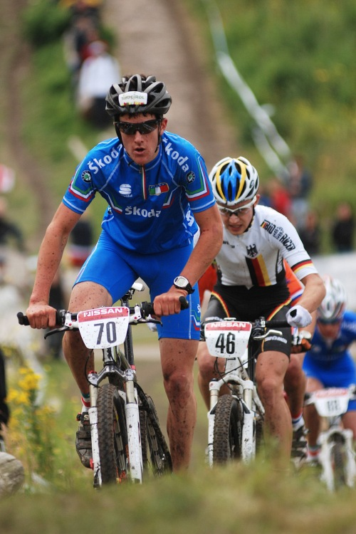 Mistrovství Evropy MTB XC 2009 - Zoetermeer /NED/ - juniorky & junioři: Ital Kerschbaumer na čele