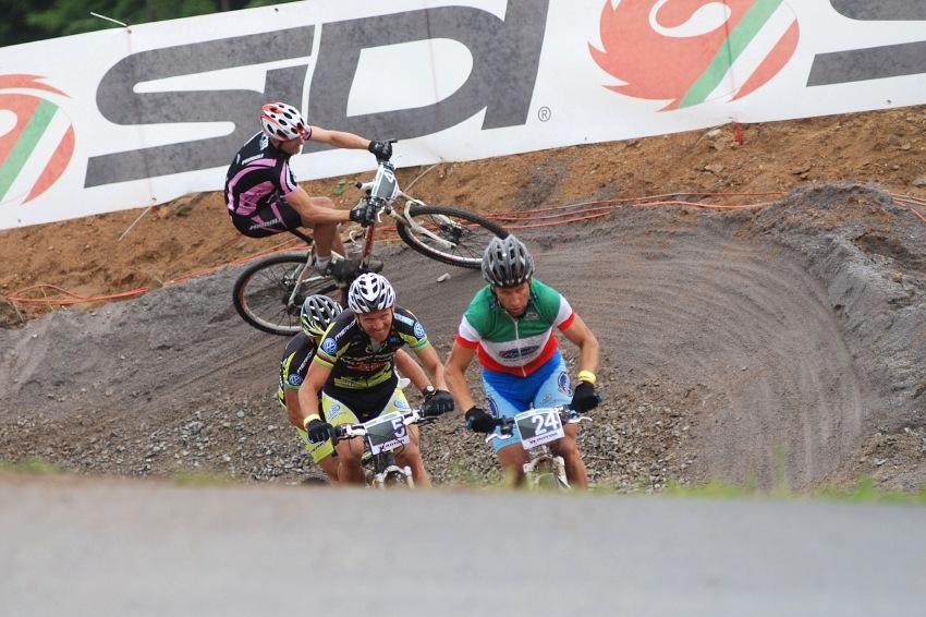 Merida Bike Vysočina 2009 - sprint: Kamil Ausbuher na cizince v semifinále nevyzrál
