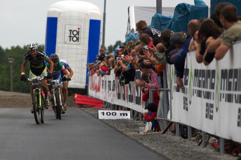 Merida Bike Vysočina 2009 - sprint - Näf bojuje v posledních metrech