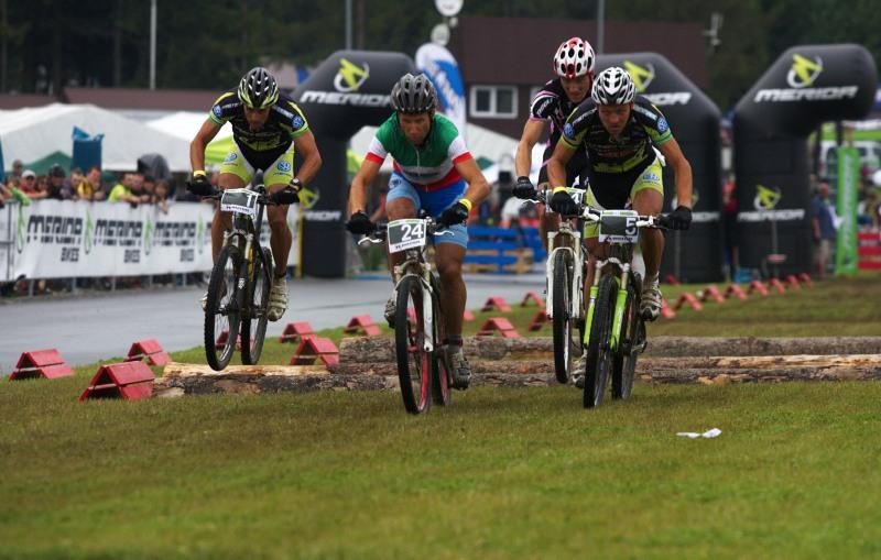 Merida Bike Vysočina 2009 - sprint - nabitá rozjížďka Näf, Ausbuher, Zoli a Hermida