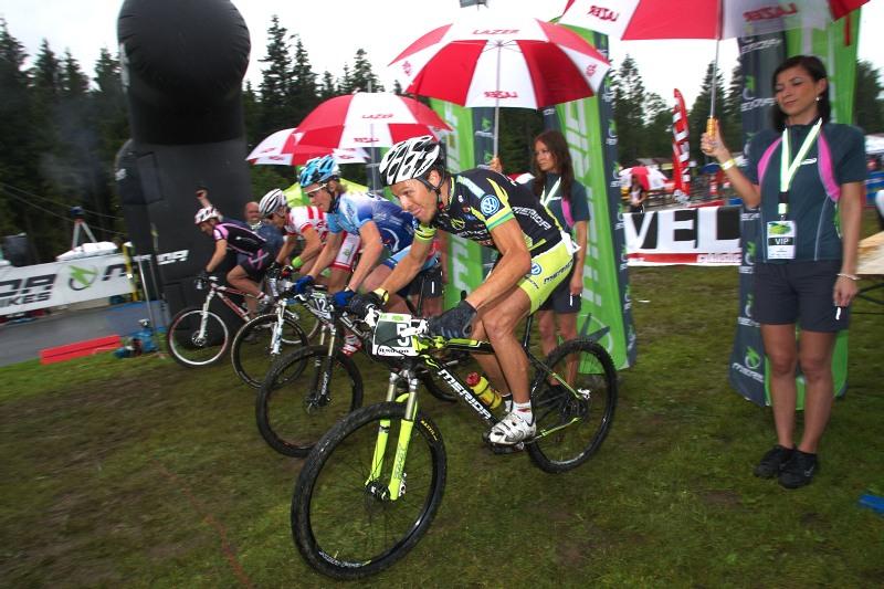 Merida Bike Vysočina 2009 - sprint - Ralph Näf vyráží do bitvy