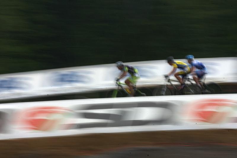 Merida Bike Vysočina 2009 - sprint - pomalá závěrka a rychlí bikeři