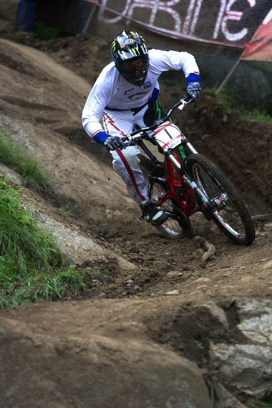 Nissan UCI MTB World Cup 4X/DH #7 - Bromont 1.8. 2009 - Sam Hill