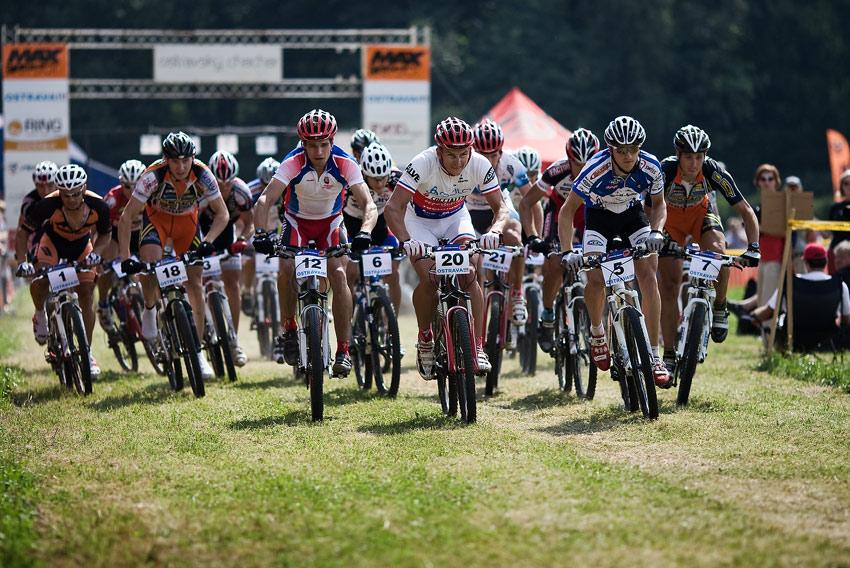 Ostravský Chachar 2009 - start mužů Velké ceny Ostravy UCI C2