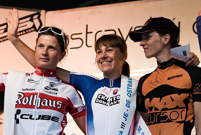 Ostravský Chachar 2009 - VC Ostravy UCI C2 - ženy: 1. Števková (SVK), 2. Benkó (HUN) 3. Chmurová