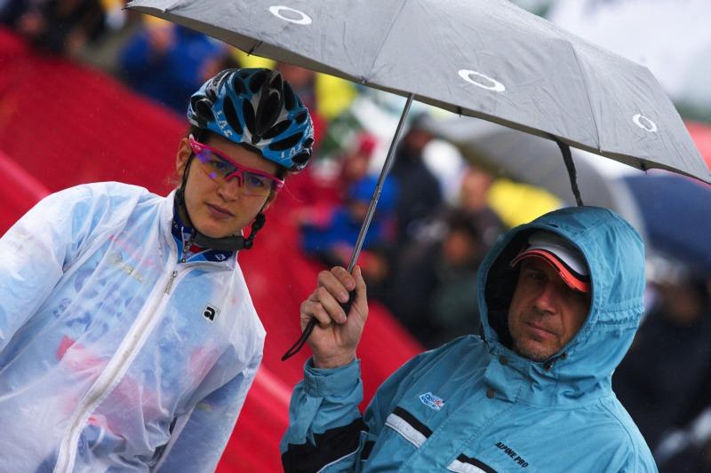 Nissan UCI MTB World Cup XC #5 - Mont St. Anne /KAN/ 26.7.2009 - Tereza Huříková s Jiřím Lutovským na startu