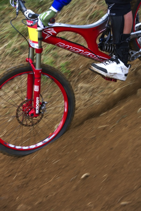 Nissan UCI MTB World Cup 4X+DH #6 - Mont St. Anne /KAN/ 25.7.2009 - defekt Grega Minaara