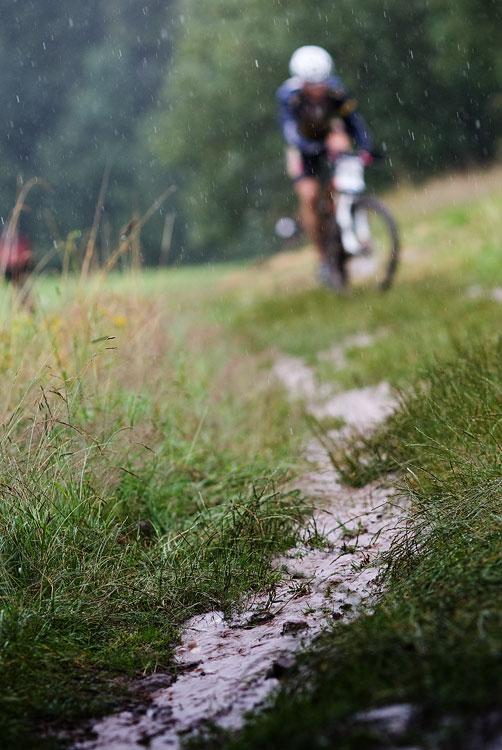 Bikechallenge 2009 - vody bylo při prologu více než dost...