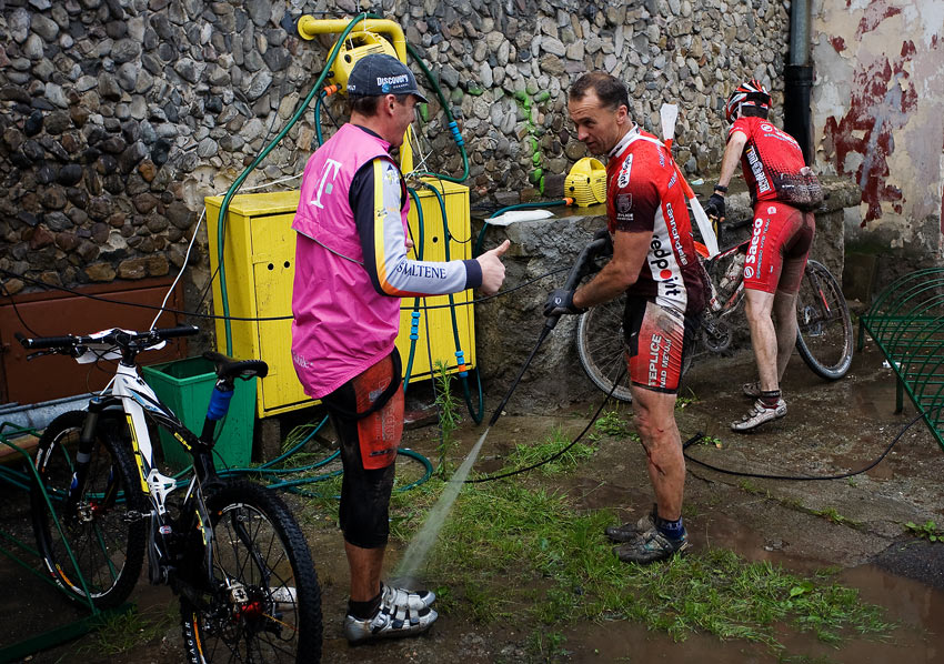 Bikechallenge 2009 - tomu se říká mezinárodní výpomoc (CZE a GER)