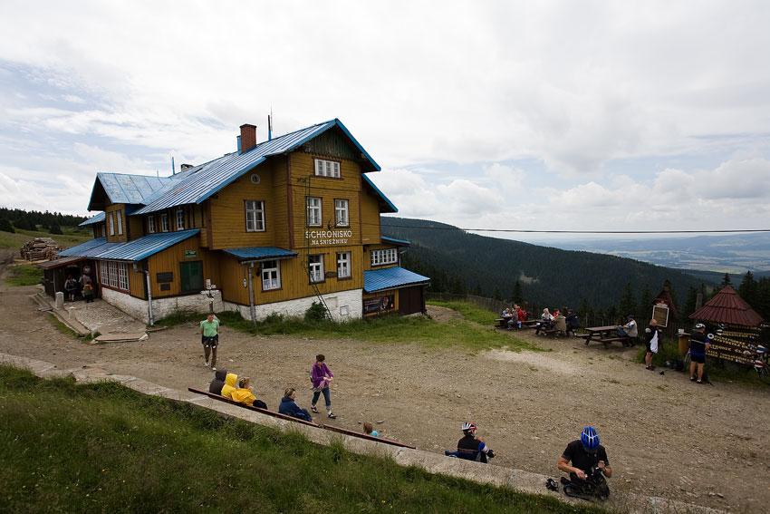 Bikechallenge 2009 - horská chata na Sněžníku odkud se spouštělo do sjezdu