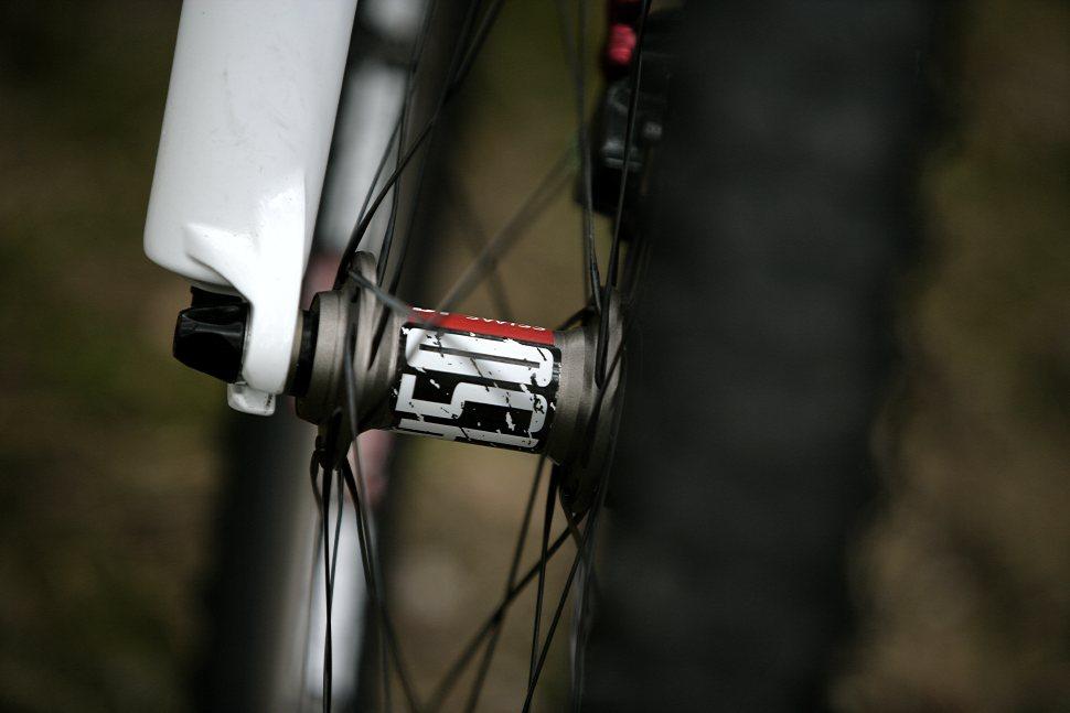 BMC TE01 karbonové preview
