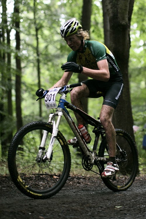 Mistrovství ČR MTB XC 2009 - Karlovy Vary: Jan Nesvadba potvrdil roli favorita mezi juniory